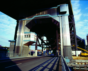 9th_St_Lift_Bridge
